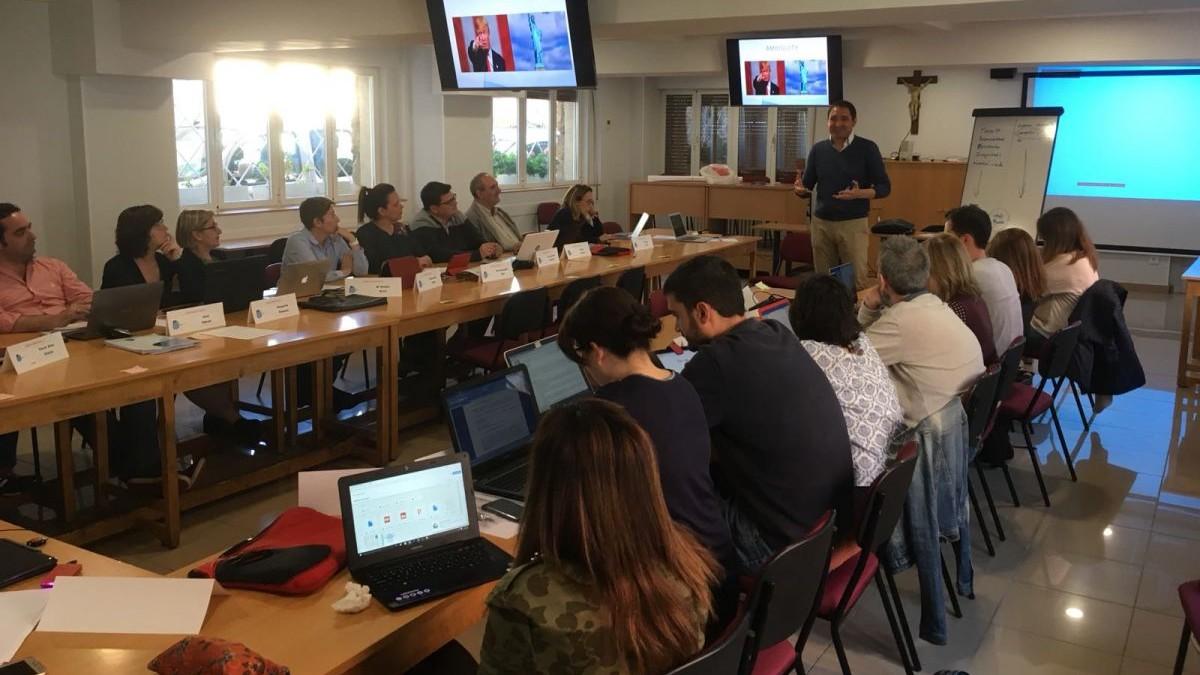 Gran interés por la formación en el equipo docente de las Escuelas Salesianas