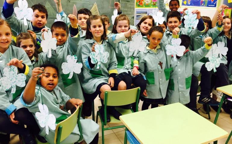 Una escuela que integra a todos los educadores en una comunidad